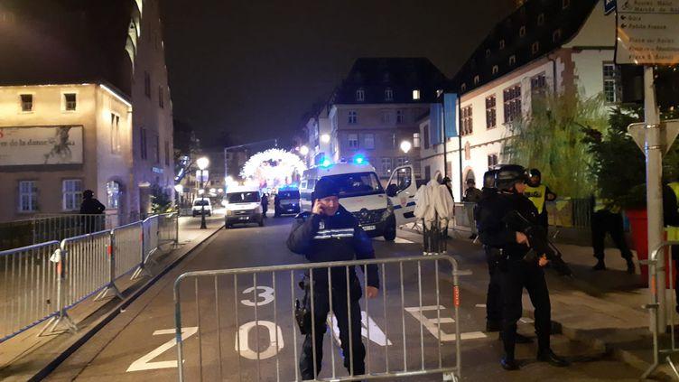 Le centre-ville de Strasbourg est bouclé mardi 11 décembre dans la soirée après une fusillade. (LUCILE GUILLOTIN / FRANCE-BLEU ALSACE / RADIO FRANCE)