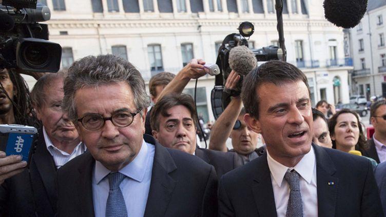 (Manuel Valls est arrivé vendredi soir à Poitiers au congrès du PS pour un discours samedi midi © MaxPPP)