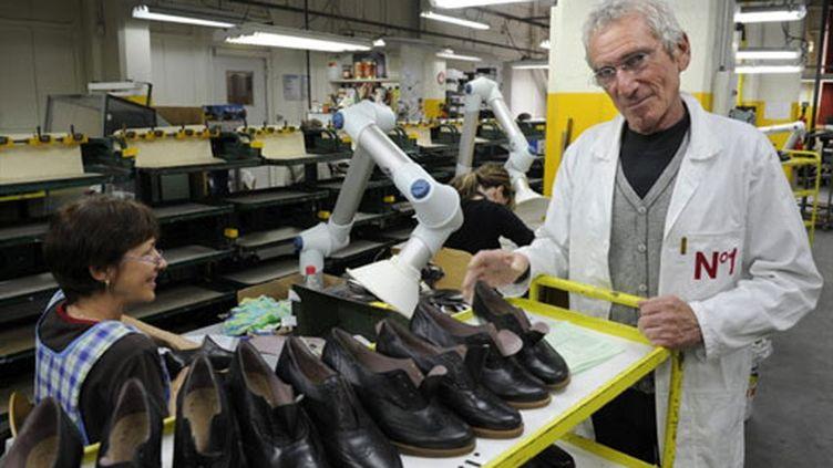 Robert Clergerie dans son usine de Romans-sur-Isère (mai 2010) (AFP / Philippe Desmaze)