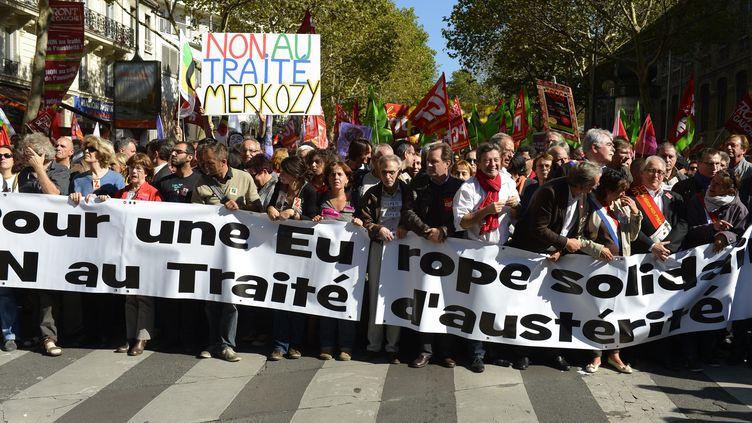 Manifestation contre le traité budgétaire européen à Paris, le 30 septembre 2012. (CHAMUSSY / SIPA)