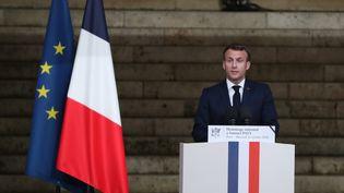 Emmanuel Macron prononce un discours d'hommage à Samuel Paty à la Sorbonne à Paris le 21 octobre 2020. (ARNAUD JOURNOIS / PHOTOPQR /LE PARISIEN / MAXPPP)