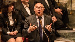 Michel Sapindevant les députés, à l'Assemblée nationale, le 10 février 2016. (CITIZENSIDE / YANN KORBI / AFP)