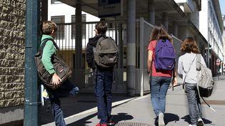 Illustration sur la rentrée scolaire de collégiens, en 2010. (FRÉDÉRIC DUGIT / MAXPPP)