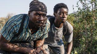 """Joshua EDOZE (à droite) incarne Amare dans """"Eden"""", un jeune Nigérian de 16 ans qui cherche à gagner l'Angleterre. (Pierre Meursaut)"""