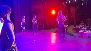 """Le """"Melrose cabaret"""" (CAPTURE D'ÉCRAN FRANCE 3)"""