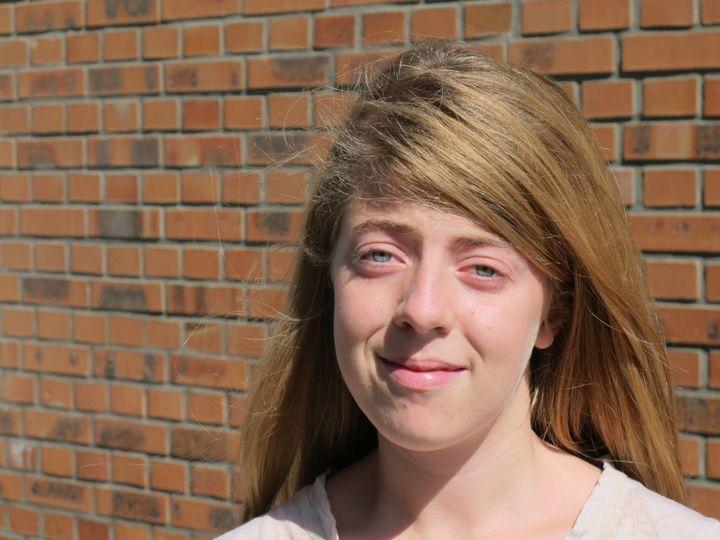 Ophélie, 14 ans,n'a jamais reçu aucun vaccin de sa vie, àLisieux (Calvados), mercredi 17 septembre 2014. (T.LISSITZKY)