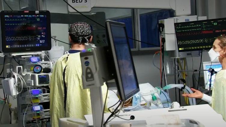 Royaume-Uni hôpital (FRANCEINFO)
