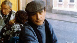 """L'acteur Jean-François Stevenin dans le film """"Peaux de vaches"""", en 1989. (NATHALIE ENO / COLLECTION CHRISTOPHEL VIA AFP)"""
