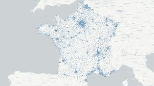 Carte des10 228 bureaux de vote de la primaire de la droite et du centre. (NICOLAS ENAULT / CARTO)
