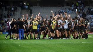Les joueurs de La Rochelle peuvent exulter, ils sont en finale de Top 14. (FRANCOIS LO PRESTI / AFP)