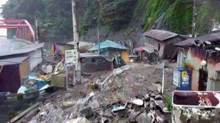 Japon : deux morts et une vingtaine de disparus après une coulée de boue (FRANCE 3)