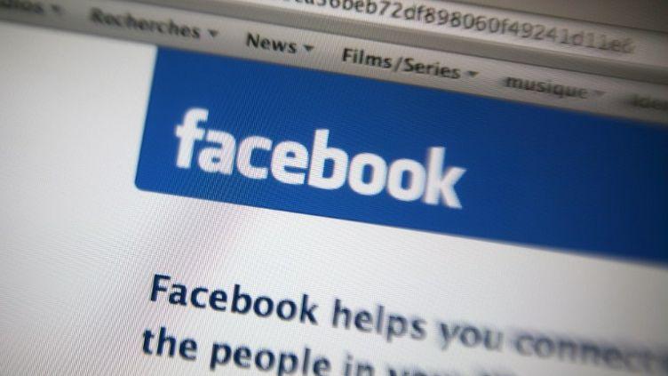 Facebook est maintenant contraint de demander l'accord de ses membres avant de changer la façon dont leurs données sont partagées. (LOIC VENANCE / AFP)