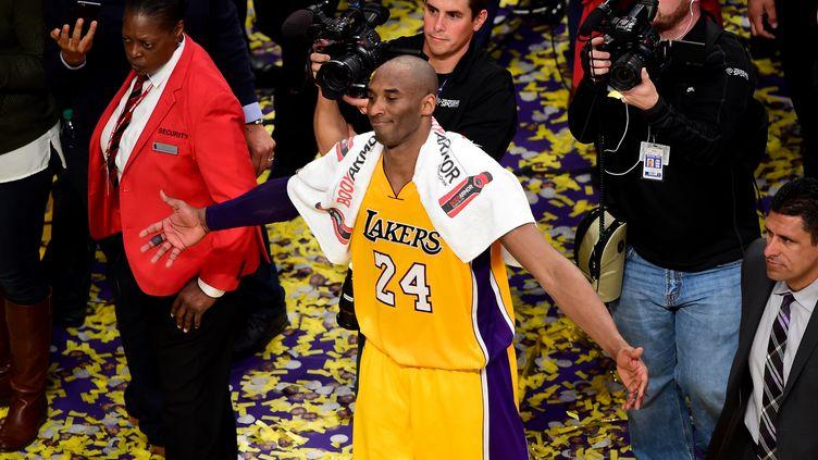 Kobe Bryant après son dernier match avec les Los Angeles Lakers.  (FREDERIC J. BROWN / AFP)
