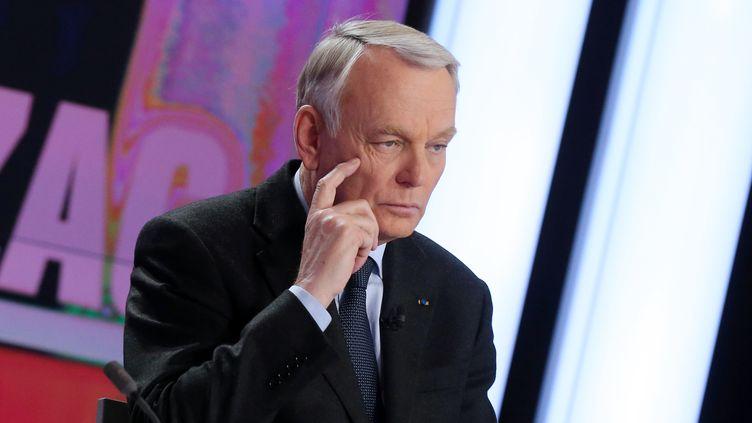 Le Premier ministreJean-Marc Ayrault, sur le plateau du journal de France 2, mardi 2 avril. (PIERRE VERDY / AFP)