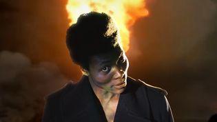 "Benjamin Clementine dans le clip des Gorillaz ""Hallelujah Money"".  (saisie écran)"