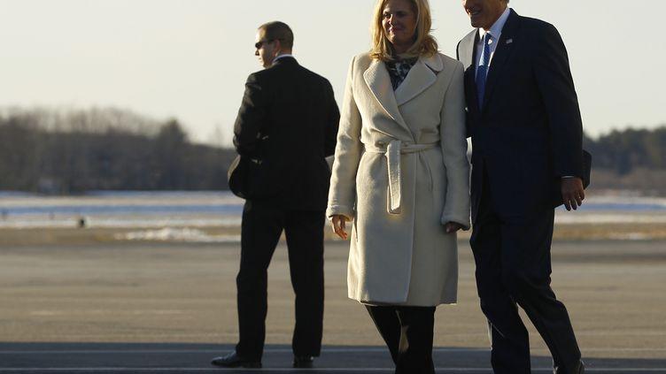 Mitt Romney et sa femme, Ann, à leur arrivée à Bedford dans le Massachusetts (Etats-Unis), le 6 mars 2012. (BRIAN SNYDER / REUTERS)