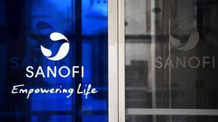 Le siège du laboratoire Sanofi à Paris, le 27 mars 2020. (FRANCK FIFE / AFP)