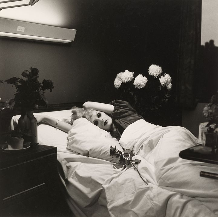 "Peter Hujar, ""Candy Darling on her Deathbed"", 1973, Collection of Ronay and Richard Menschel  (© Peter Hujar Archive, LLC, courtesy Pace/MacGill Gallery, New York and Fraenkel Gallery, San Francisco)"