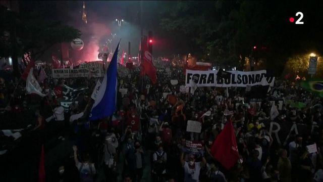 Brésil : des dizaines de milliers de manifestants contre Jair Bolsonaro