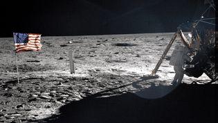 L'une des rares photos de Neil Armstrong sur la Lune, le 20 juillet 1969. (BUZZ ALDRIN / NASA / AFP)