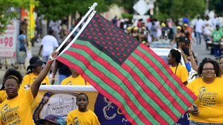 Cette parade annuelle dans Philadelphie commémore l'annonce de l'abolition de l'esclavage le 19 juin 1865 aux Etats-Unis, déclaré journée officielle fériée par Tom Wolf, le gouverneur de Pennsylvanie. (BASTIAAN SLABBERS / NURPHOTO)
