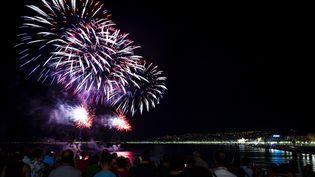 Le feu d'artifice du 14 juillet à Nice avait été déplacé, en 2018, au 15 août. (FREDERIC DIDES / AFP)