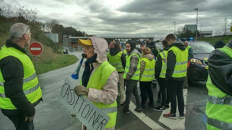 """10ejour de mobilisation des """"gilets Jaunes"""" à Biarritz. (VALÉRIE MENUT / FRANCE-BLEU PAYS BASQUE)"""