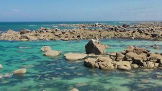 Rendez-vous dans le Finistère, sur la côte des légendes, parsemée de blocs de granit dont certains affirment qu'il s'agit de géants transformés en pierre. (France 2)