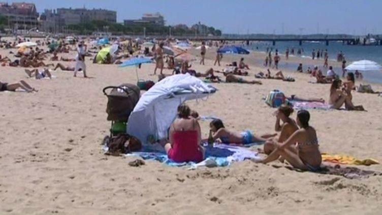 Sur une plage d'Arcachon... (francetv)