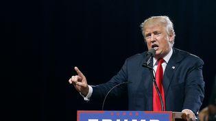 Donald Trump donne un meeting de campagne à Phoenix (Etats-Unis), le 18 juin 2016. (RALPH FRESO / GETTY IMAGES NORTH AMERICA / AFP)