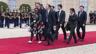 L'arrivée à l'Elysée de la garde rapprochée d'Emmanuel Macron pour la cérémonie d'investiture dimanche 14 mai 2017. (ERIC BERACASSAT / ONLY FRANCE)