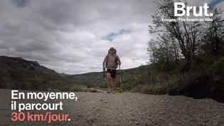 Virgile Woisard a bravé le froid, la pluie, la chaleur et a sillonné des régions désertiques comme des forêts denses. Voici le parcours de ce marcheur qui a le goût de l'aventure. (BRUT)