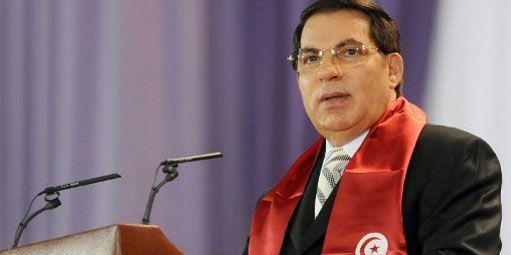 Le dictateur tunisien Zine el Abidine Ben Ali pronçant un discours à Tunis, trois mois avant sa chute, le 11 octobre 2009. (AFP - FETHI BELAID )