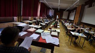 Lors d'une épreuve du baccalauréat, le 15 juin 2017, à Strasbourg (Bas-Rhin). (FREDERICK FLORIN / AFP)