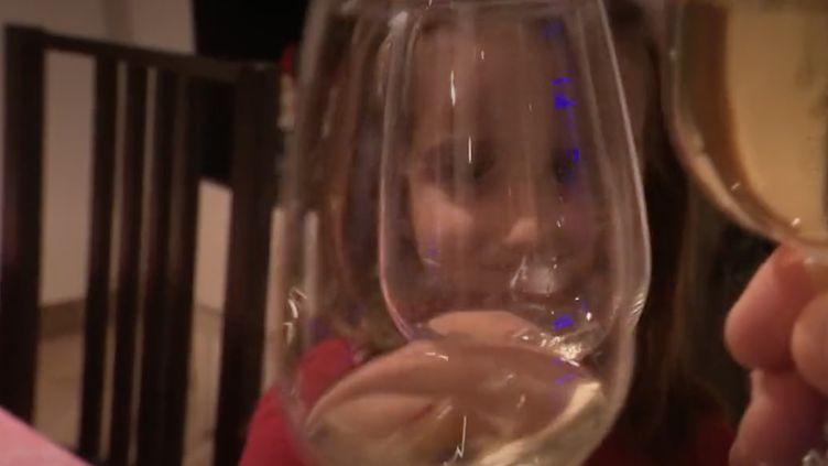 Nouvel An : réveillon en petit comité. (Capture d'écran/France 2)