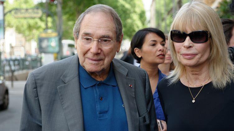 Robert Hossein et son épouse Candice Patou en juillet 2016, lors de laSemaine de la modeà Paris. (DANIEL PIER / NURPHOTO / AFP)