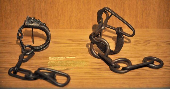 Chaînes d'esclave, Mémorial de l'aboiition de l'esclavage, Nantes.  (FRANK PERRY / AFP)