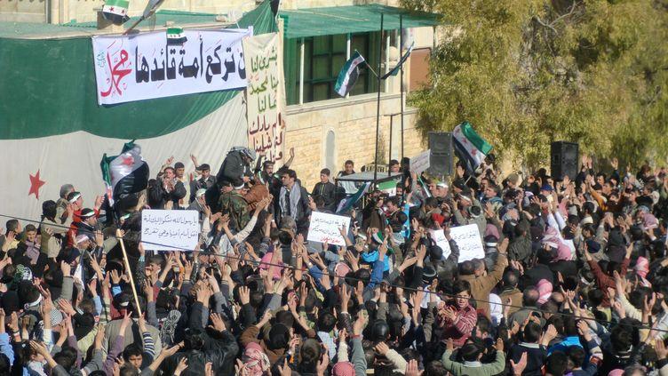 Une manifestation anti-Bachar Al-Assad le 5 février 2012 àMarat al-Numan, dans le nord de la Syrie. (AJ/KR)
