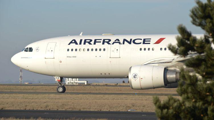 La rémunération des dirigeants a augmenté de 17,6% et non de 41% selon la compagnie aérienne, qui a revu son livre comptable. (MAXPPP)