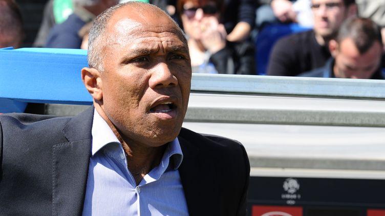 Antoine Kombouaré, le nouvel entraîneur de l'En Avant de Guingamp. (NICOLAS TUCAT / AFP)