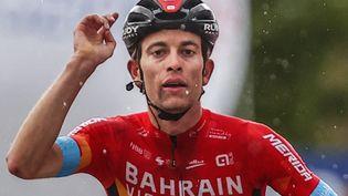 Gino Mäder, vainqueur de la sixième étape du Giro, le 13 mai 2021. (LUCA BETTINI / AFP)