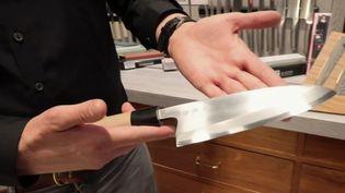 Commerces d'antan : à Lyon, la coutellerie Brossard vend ses produits depuis trois générations (FRANCE 2)