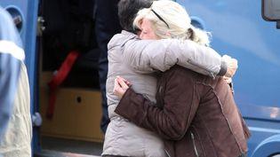 A Puisseguin, en Gironde, après la collision entre un autocar et un camion qui a fait 42 morts le 23 octobre 2015. (THEILLET LAURENT / MAXPPP)