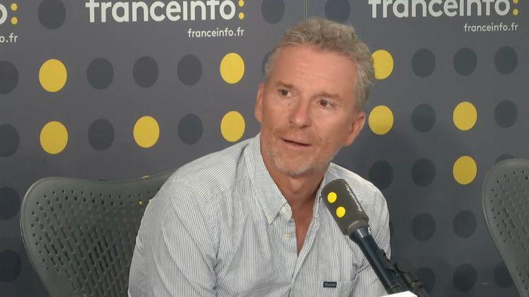 Denis Brogniart invité de l'info médias vendredi 5 juillet. (FRANCEINFO / RADIOFRANCE)