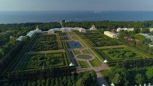 Russie : le château de Peterhof, le Versailles de Saint-Pétersbourg (France 2)