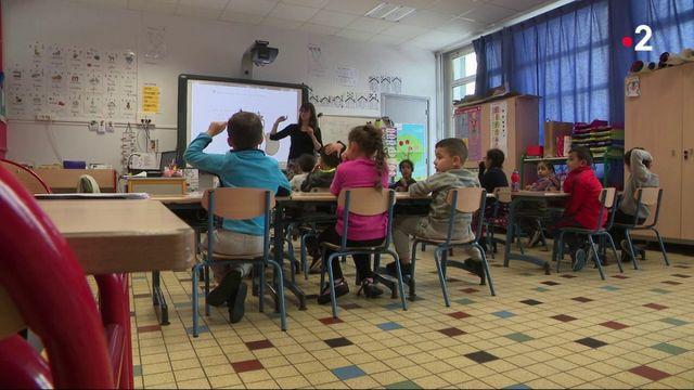 Education : le président s'engage à ne plus fermer d'écoles