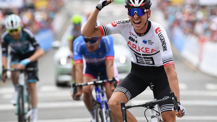 Warren Barguil (Arkéa-Samsic), sacré nouveau champion de France de cyclisme sur route, dimanche 30 juin 2019. (FRED TANNEAU / AFP)