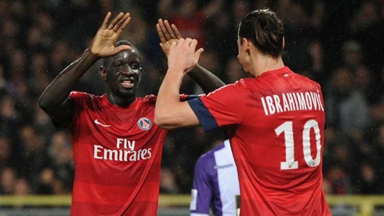 Mamadou Sakho et Zlatan Ibrahimovic (PASCAL PAVANI / AFP)