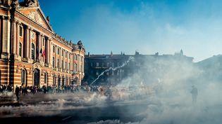 La place du Capitole à Toulouse (Haute-Garonne), lors des manifestations du 23 février 2019. (FR?D?RIC SCHEIBER / HANS LUCAS / AFP)