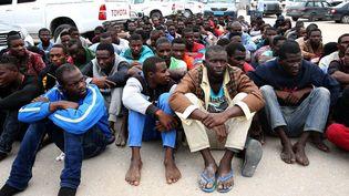 Migrants africains bloqués dans la capitale libyenne, vendus et revendus par les passeurs. (AFP/Anadolu Agency )